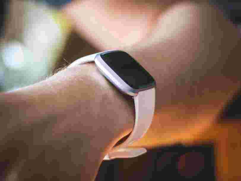 Le rachat de Fitbit par Google scruté de près par la Commission européenne