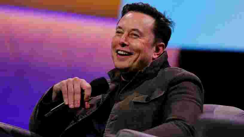 Selon Elon Musk, des avancées majeures dans les batteries d'ici 3 à 4 ans pourraient rendre possible les avions électriques