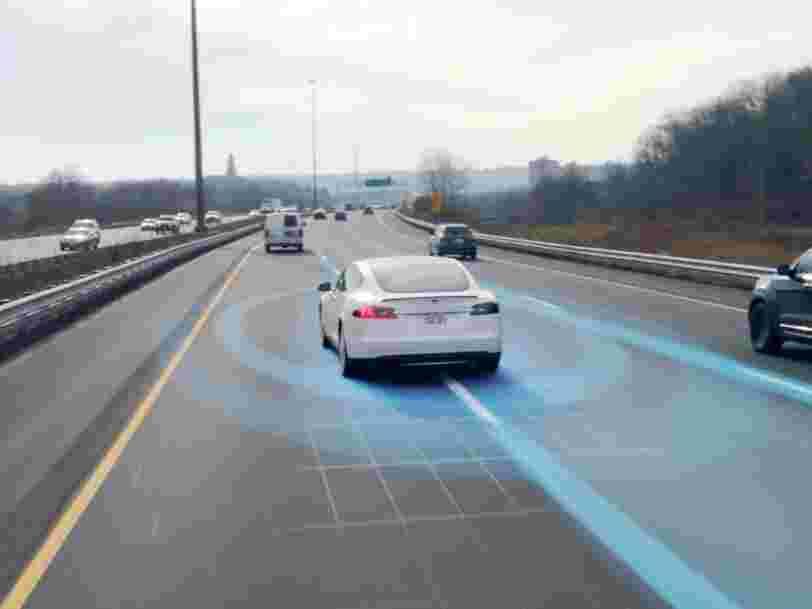 Une Tesla Model 3 a été filmée en train de percuter un faux piéton lors d'un test en Chine