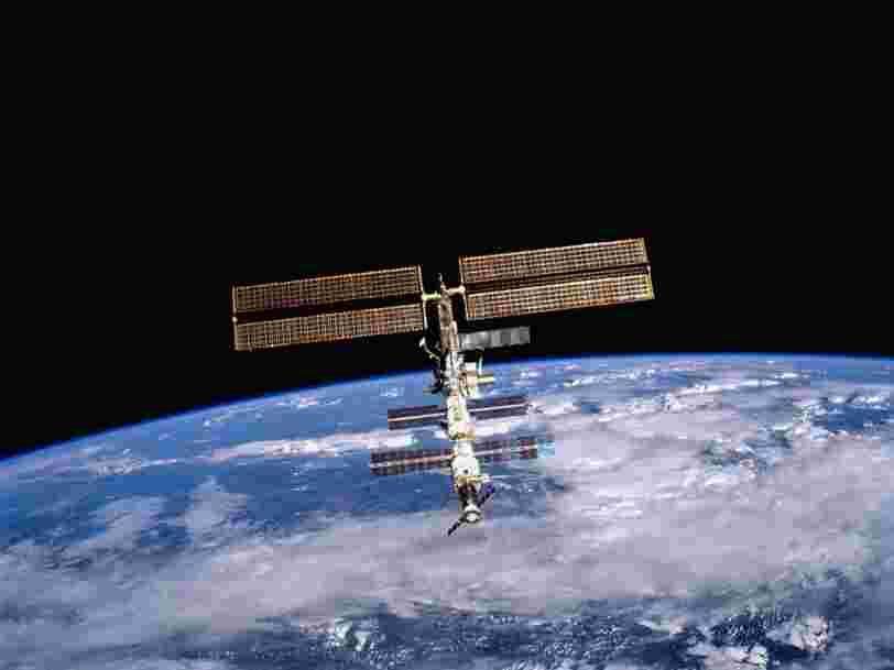 La fuite d'air dans l'ISS a été localisée grâce à des feuilles de thé flottant en microgravité