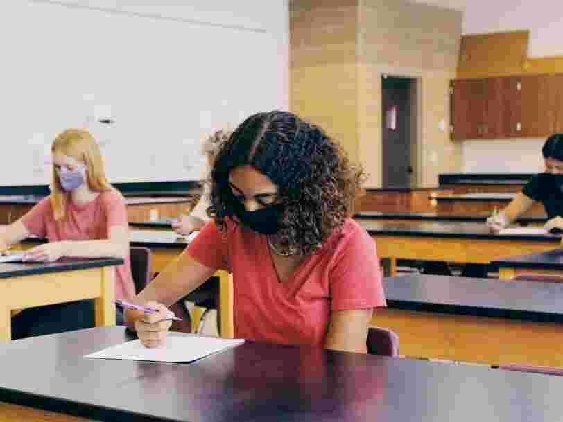 Covid-19 : une simulation identifie les places les plus sûres dans une salle de classe
