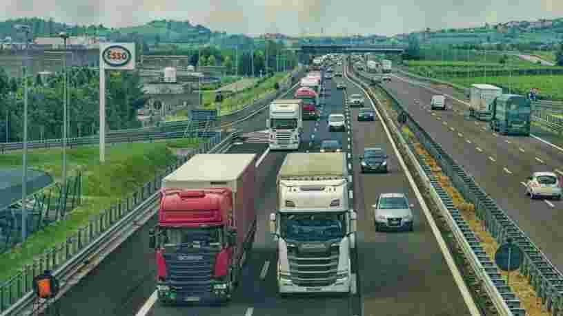 Les chauffeurs routiers coincés au Royaume-Uni devront se soumettre à un test Covid-19 rapide