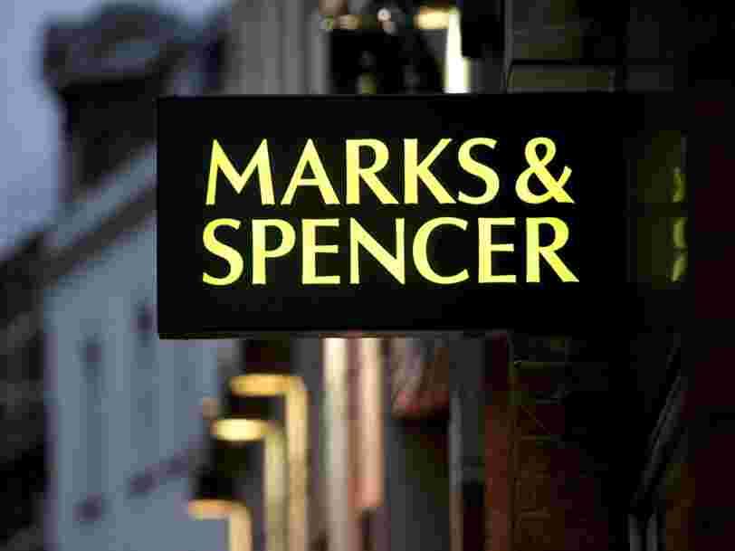 Des rayons vides dans les magasins Marks & Spencer français à cause du Brexit