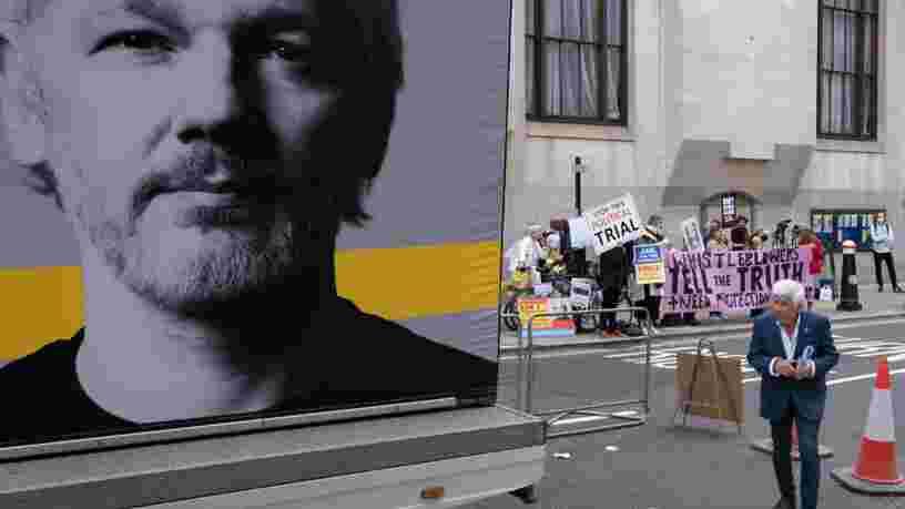 Julian Assange va rester en prison, a décidé la justice britannique