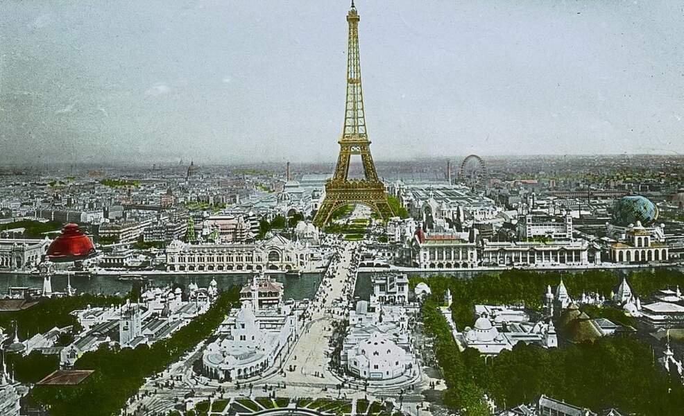 Vue de l'Exposition universelle depuis le Palais du Trocadéro.