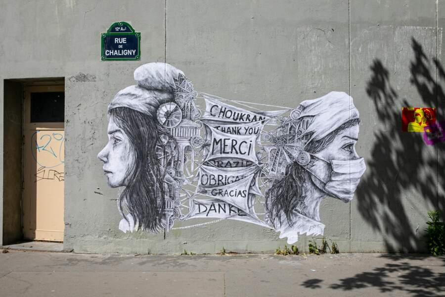 Astucieux collage à Paris, pour remercier les soignants