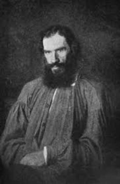 8. Tolstoï lui a inspiré la non-violence