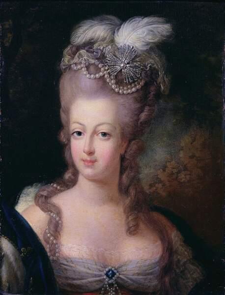 Elle est la première femme de France à porter la culotte