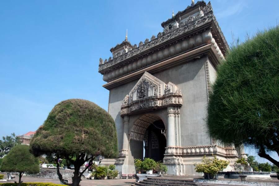 Arc Patuxai au Laos