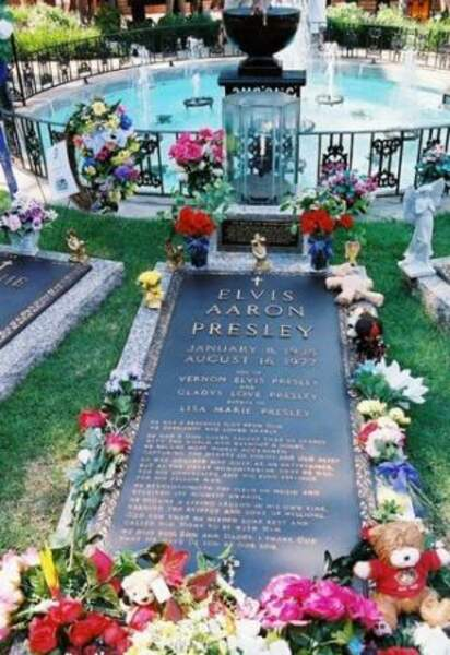 La tombe d'Elvis Presley (Memphis)