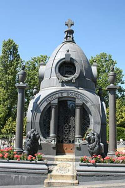 Tombe de la famille Bouglione (Lizy-sur-Ourcq)