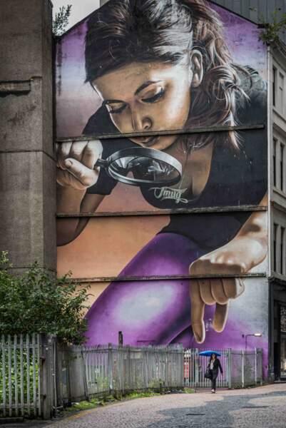 Cette grande peinture murale fait partie du tout premier City Centre Mural Trail à Glasgow
