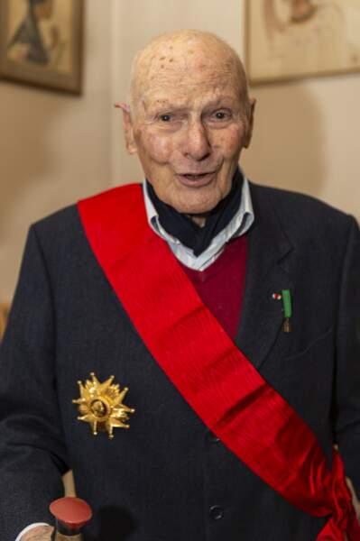 Pierre Simonet avec la Légion d'Honneur