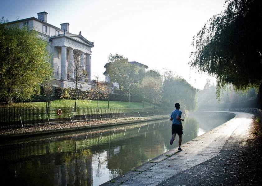 Séparer les joggeurs des marcheurs dans la rue