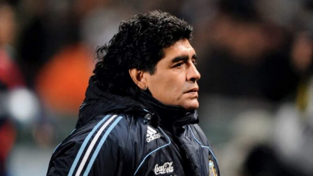 Diego Maradona meurt à l'âge de 60 ans