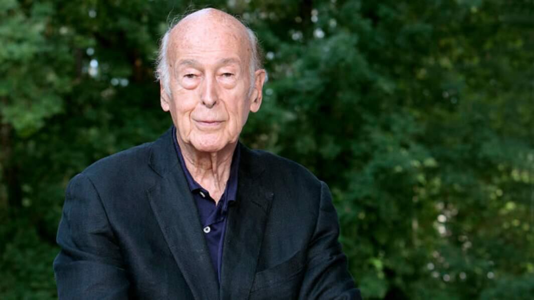 L'ancien président Valéry Giscar d'Estaing meurt des suites du covid