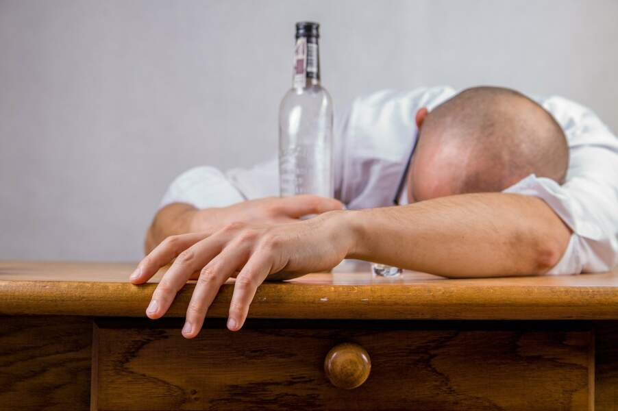 Ne pas se jeter sur les produits gras ou sucrés, ni sur l'alcool