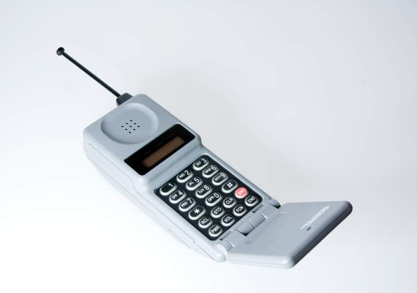 Le téléphone à clapet