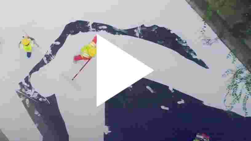 VIDEO: Cette route est peinte en blanc pour lutter contre les fortes températures — voici comment elle fonctionne