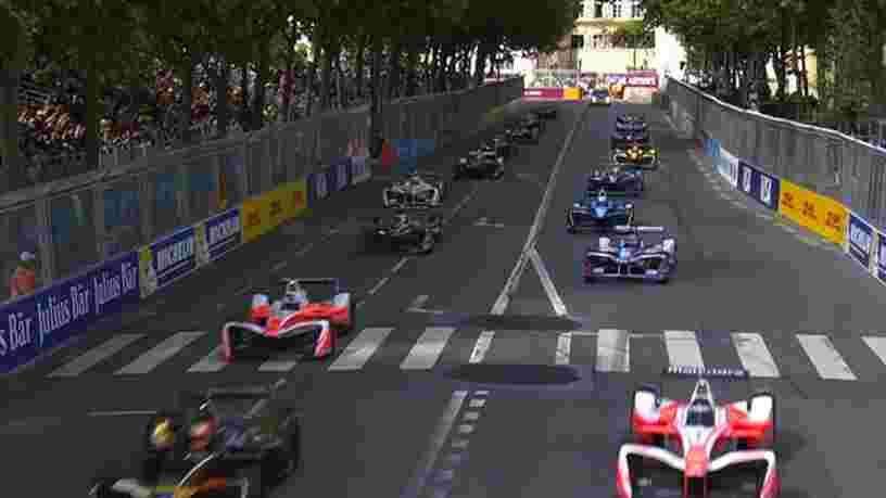 VIDEO: Voici ce que ça fait de rouler à 200km/h dans les rues de Paris au volant d'une Formule 1 électrique