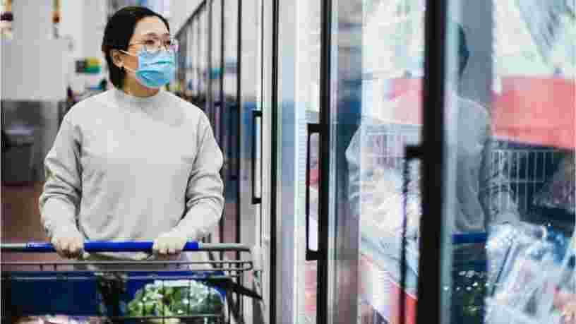 Des employés d'un supermarché Leclerc se dénudent pour inciter les clients au port du masque