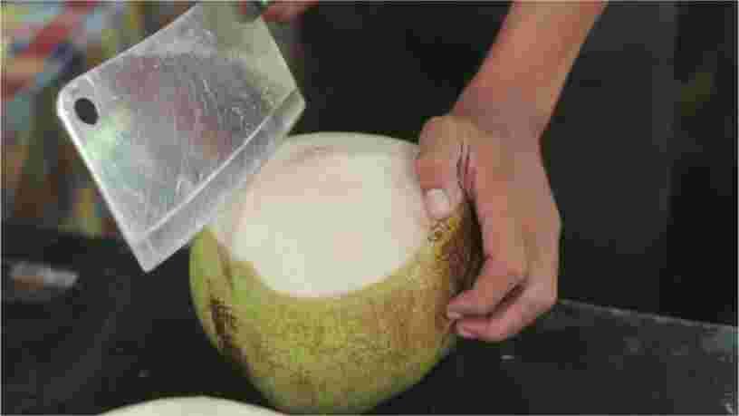 La métaphore de la noix de coco explique pourquoi les Américains pensent que les Français ne sont pas très sympas