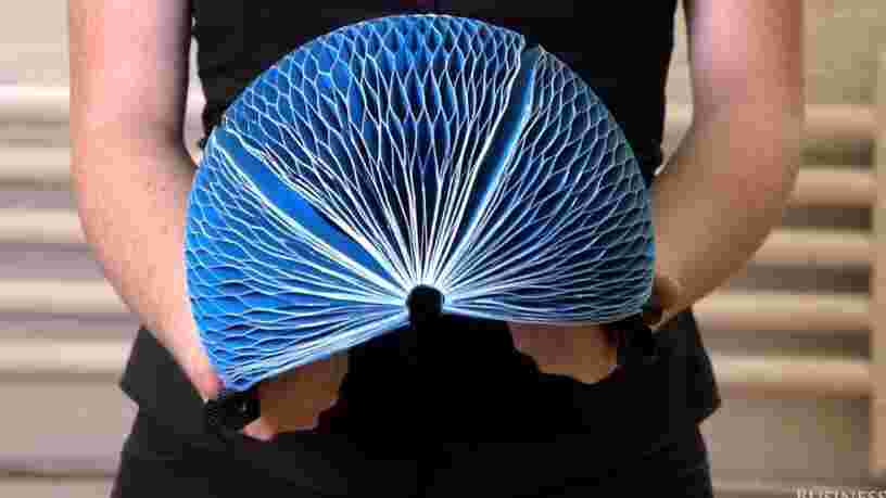 VIDEO: Ce casque de vélo est entièrement fait en papier recyclé