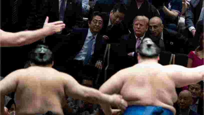 Donald Trump a assisté à un match de sumos au Japon et il n'a pas respecté les traditions