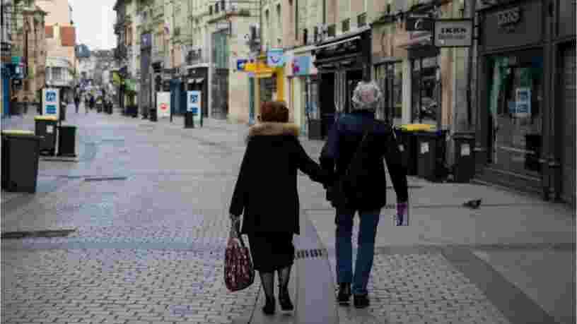 Vous pouvez désormais sortir marcher près de chez vous avec ceux avec qui vous êtes confinés