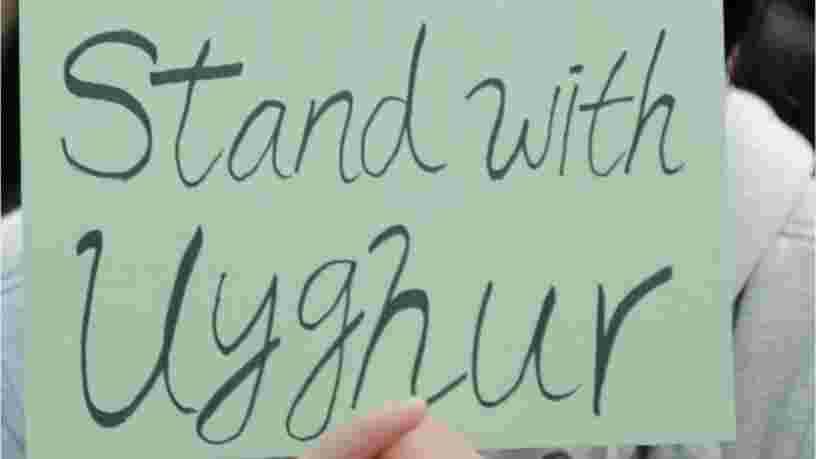 Zara, H&M, Adidas... Des associations dénoncent la complicité des marques dans la répression des Ouïghours