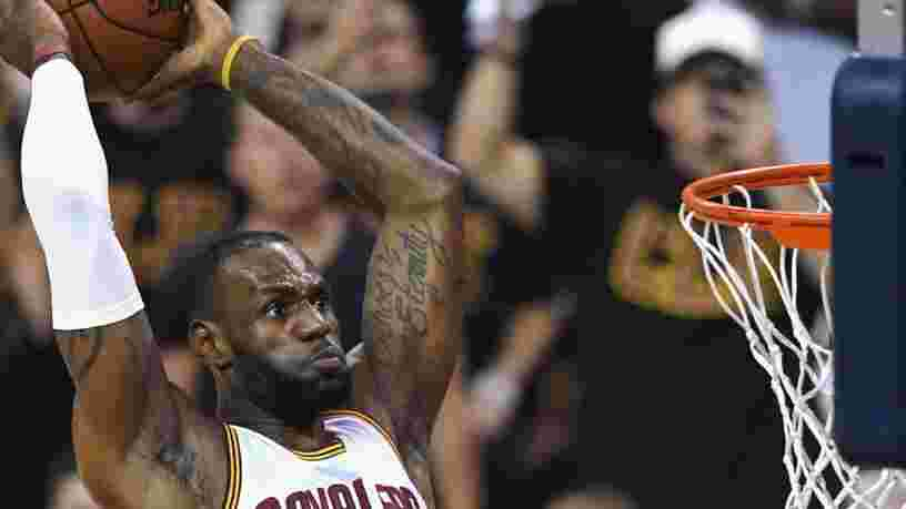 VIDEO : Voici ce que mange le basketteur LeBron James pour rester en forme