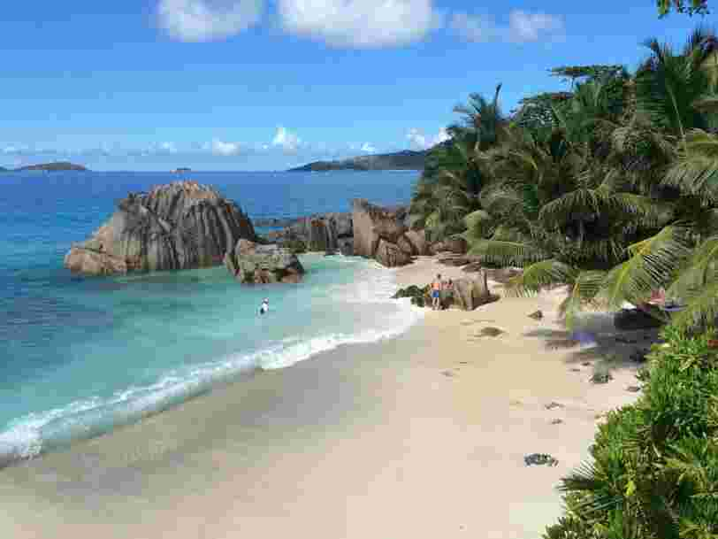 Les Seychelles, premier pays à exiger la vaccination des touristes