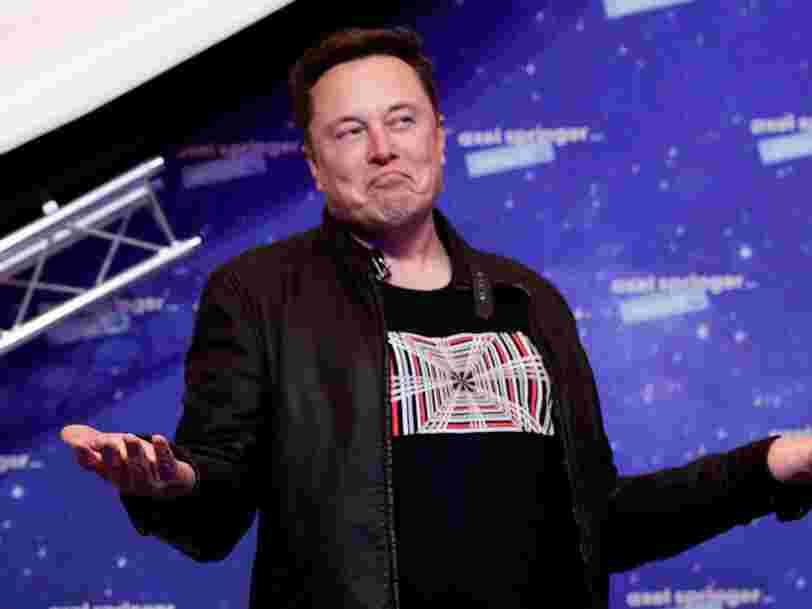 Selon Elon Musk, un singe peut 'jouer à des jeux vidéo par la pensée' grâce à une puce Neuralink dans son cerveau