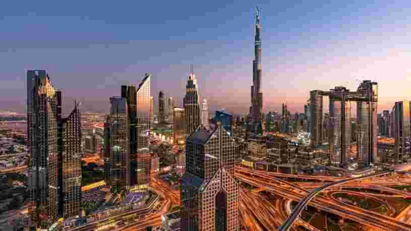 Dubaï, repaire des influenceurs et des touristes, accusé de laxisme face au Covid-19