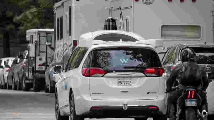 Google lance ses robotaxis Waymo à l'assaut des collines de San Francisco