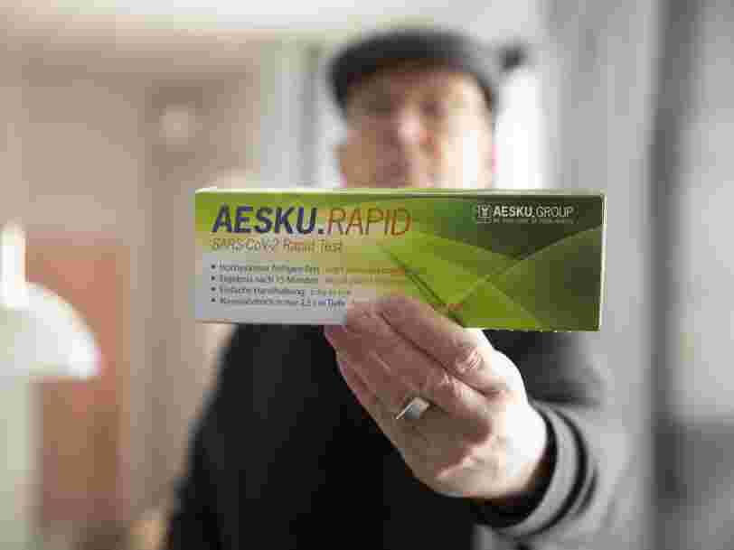 Les Allemands se ruent au supermarché pour acheter des tests antigéniques
