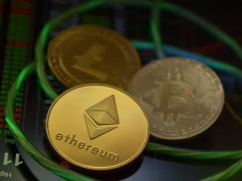 Bitcoin cena no rekordaugstā līmeņa nogāžas par 29% :: Dienas Bizness