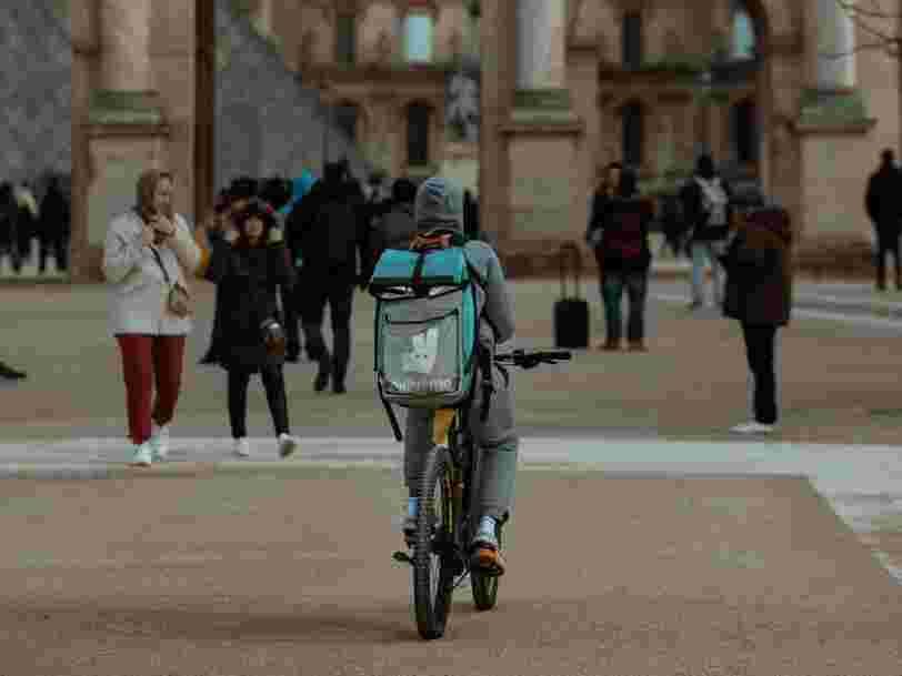 Deliveroo, Uber Eats... Les livreurs à domicile 'présumés' salariés en Espagne