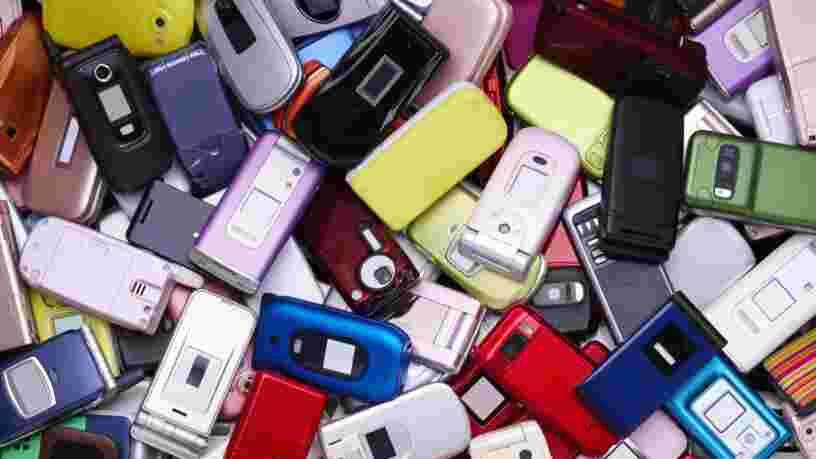 Nokia 3310, Blackberry Bold, Motorola Razr... Ces 10 téléphones vintage ont marqué leur époque