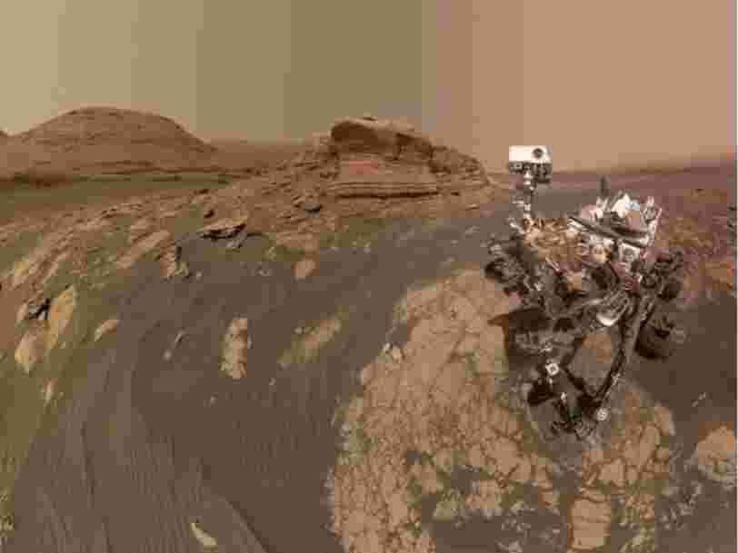 Sur Mars, le rover Curiosity prend un impressionnant selfie à l'aide de son bras robotique