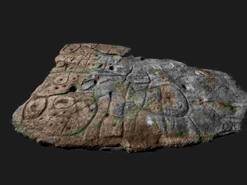 Cette dalle de pierre vieille de 4 000 ans serait la plus ancienne carte d'Europe