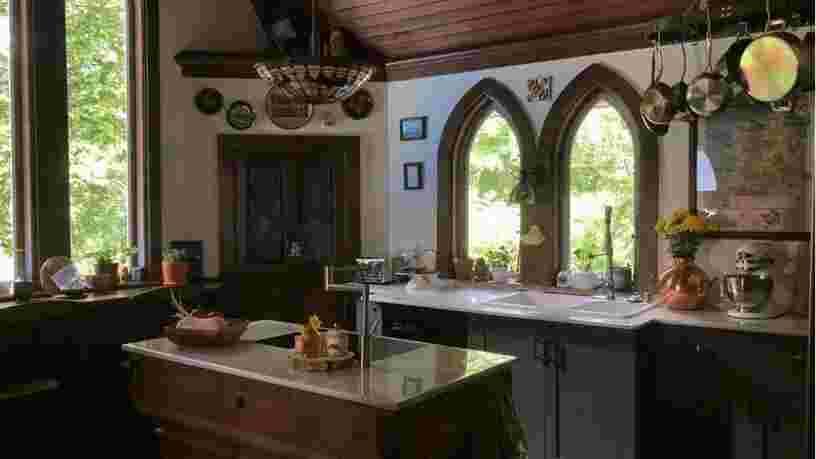 Ces anciennes églises ont été transformées en maisons