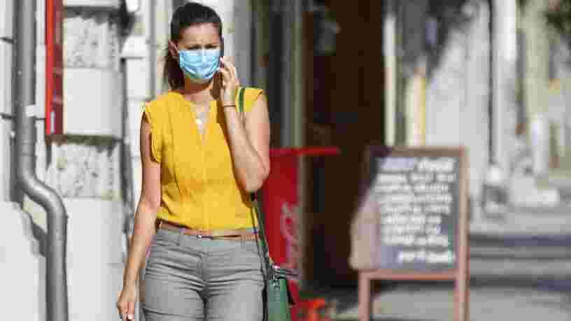 Les experts se demandent si le masque à l'extérieur est véritablement utile