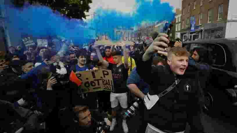 La banque JPMorgan subit les foudres des fans de foot pour avoir soutenu la Super Ligue