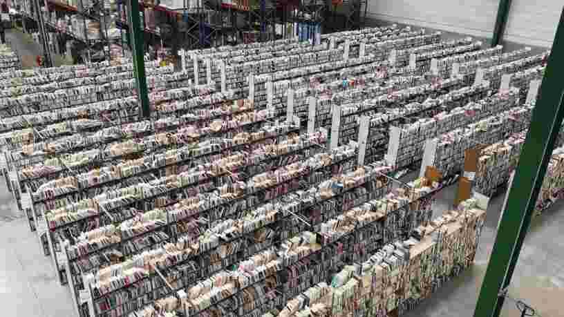 On a visité l'entrepôt de Recyclivre, l'Amazon français et écolo du livre d'occasion