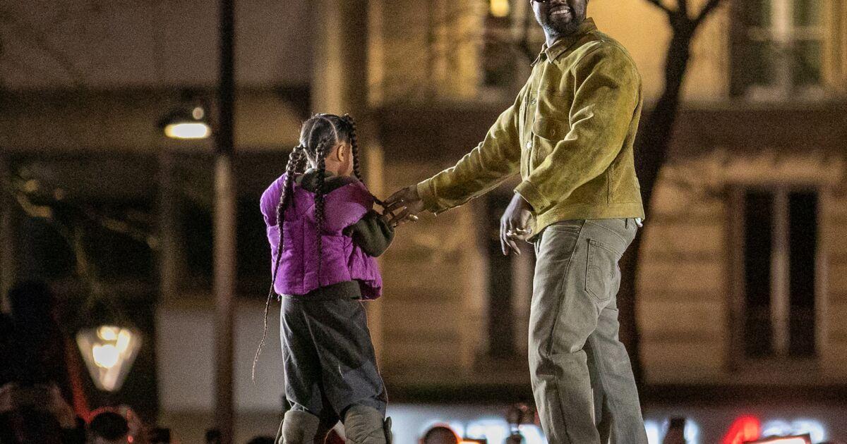 Une paire de baskets du rappeur Kanye West vendue au prix record de 1,8 M$