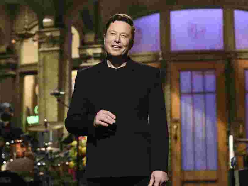 Elon Musk révèle être atteint du syndrome d'Asperger et vante le dogecoin dans 'Saturday Night Live'