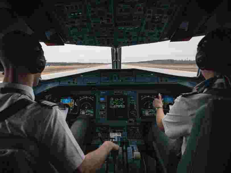 Stages antistress, livres, astuces à bord... Voici comment avoir moins peur en avion