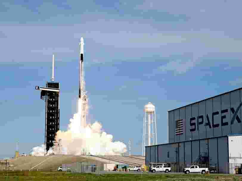 Elon Musk affirme que SpaceX construit un moteur de fusée Raptor toutes les 48 heures