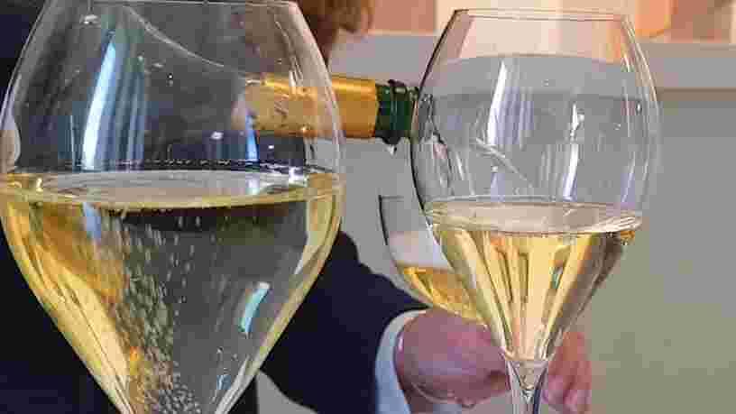 Voici pourquoi le champagne coûte si cher